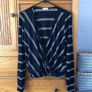 LF black/white blouse with front overlap, size L